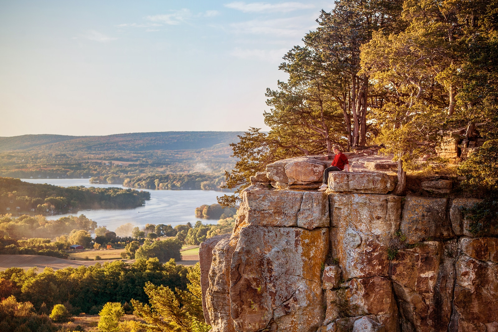 5 Stunning Hiking Trails Near Devils Lake State PArk